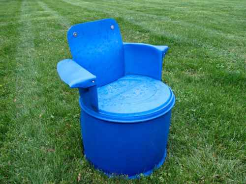 8-genius-homestead-uses-for-55-gallon-plastic-barrels