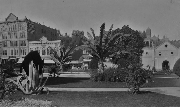 plaza-1880s