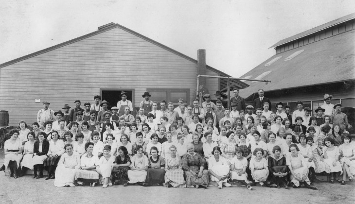 Hewes packing house El Modena 1910s