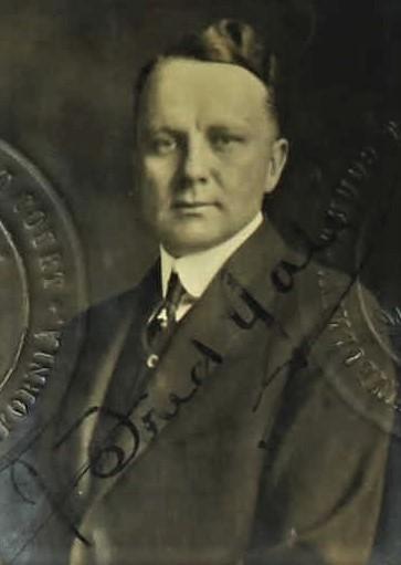 Gale photo passport signature 1918