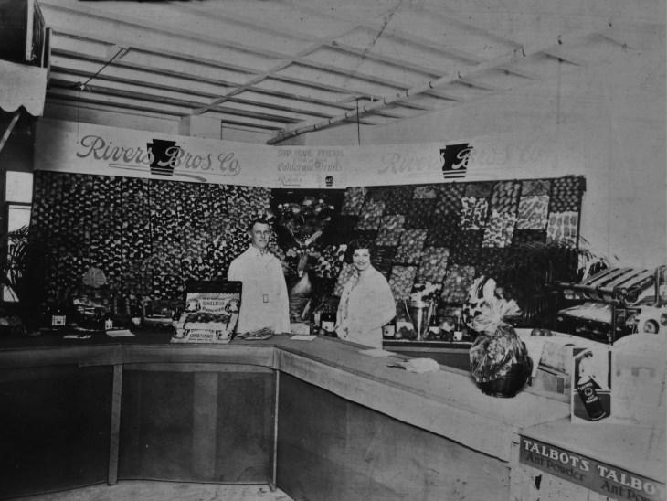Rivers Bros market 1920s