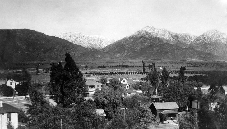 1117088RPPC View Of Snow Capped San Gabriel Mountains From Azusa 2013.614.1.8.jpg