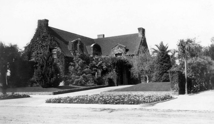 A Photograph Of Edwin T Earls Residence 2014.685.1.5