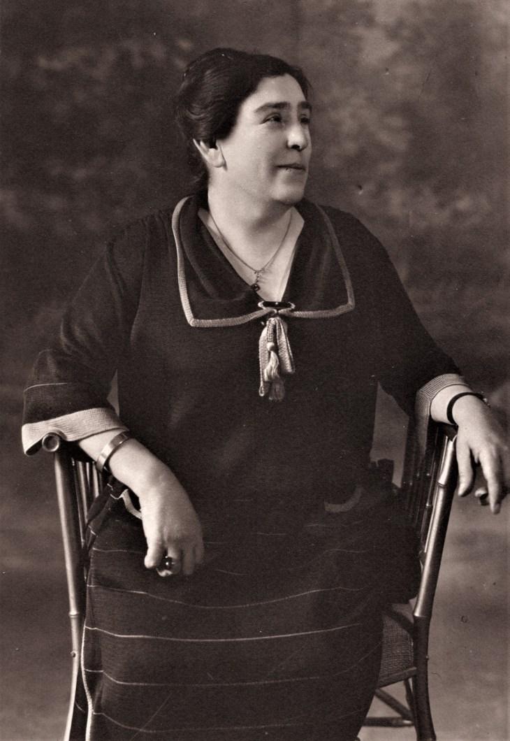 Laura Gonzalez Temple portrait ca. 1920