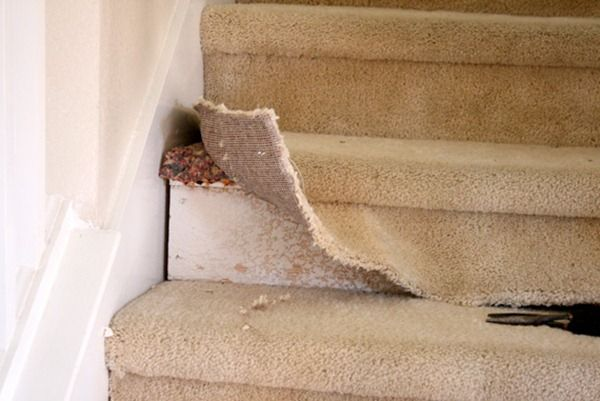 renovate-carpeted-stairs