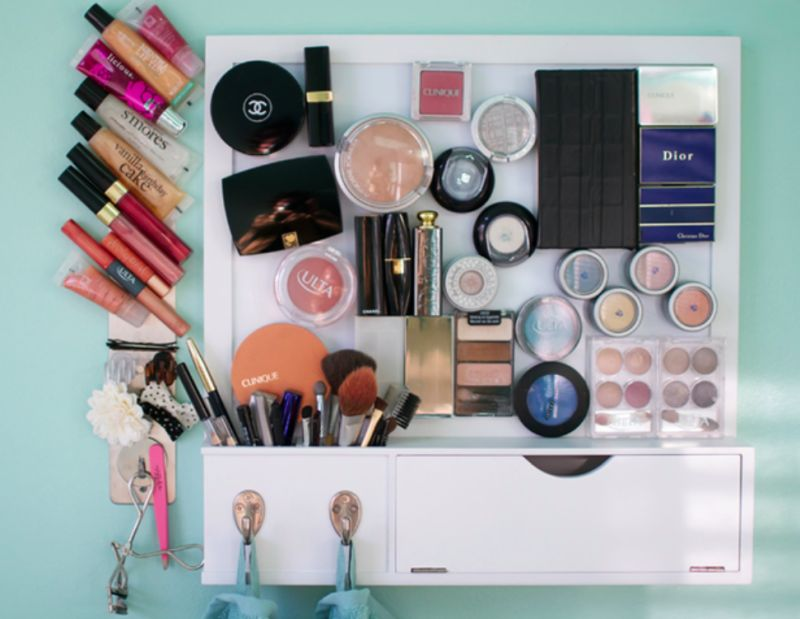magnet board for all her makeup products