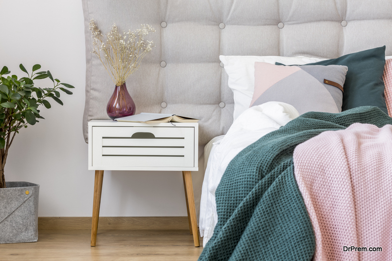 Functional-things-to-put-on-the-bedside-table