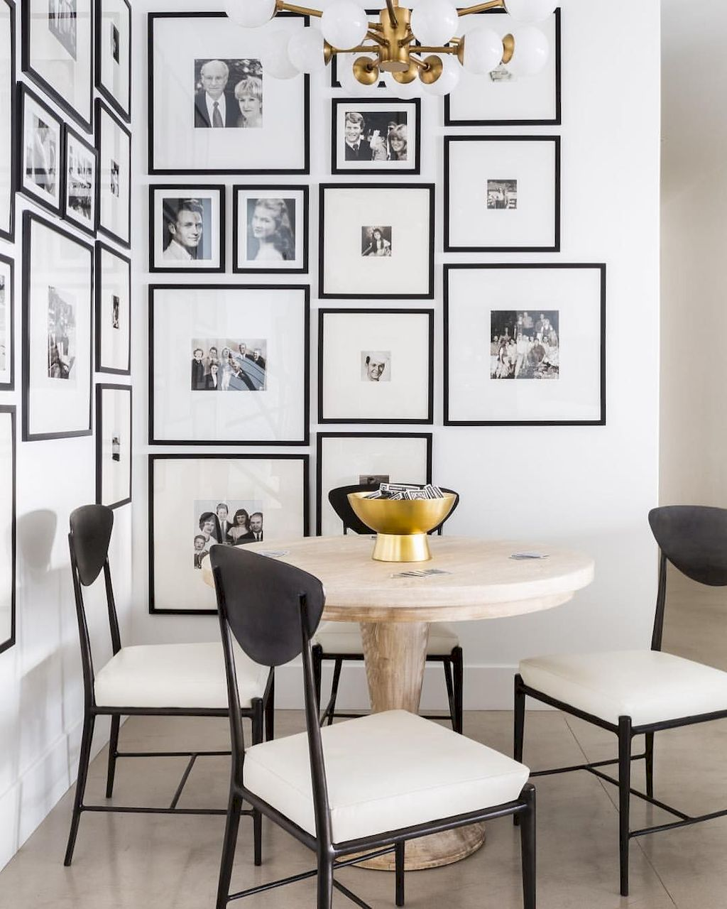 Wall Gallery074