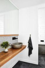 Extraordinary White Bathroom Ideas 41