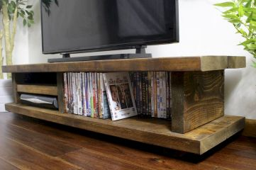 Selecting Between Various Types of Wooden Furniture 135