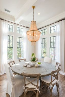 Round Dining Room Tables Decoration Ideas 142