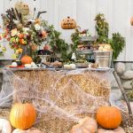 Vintage Halloween Decorating Farmhouse For Spooky Home 61