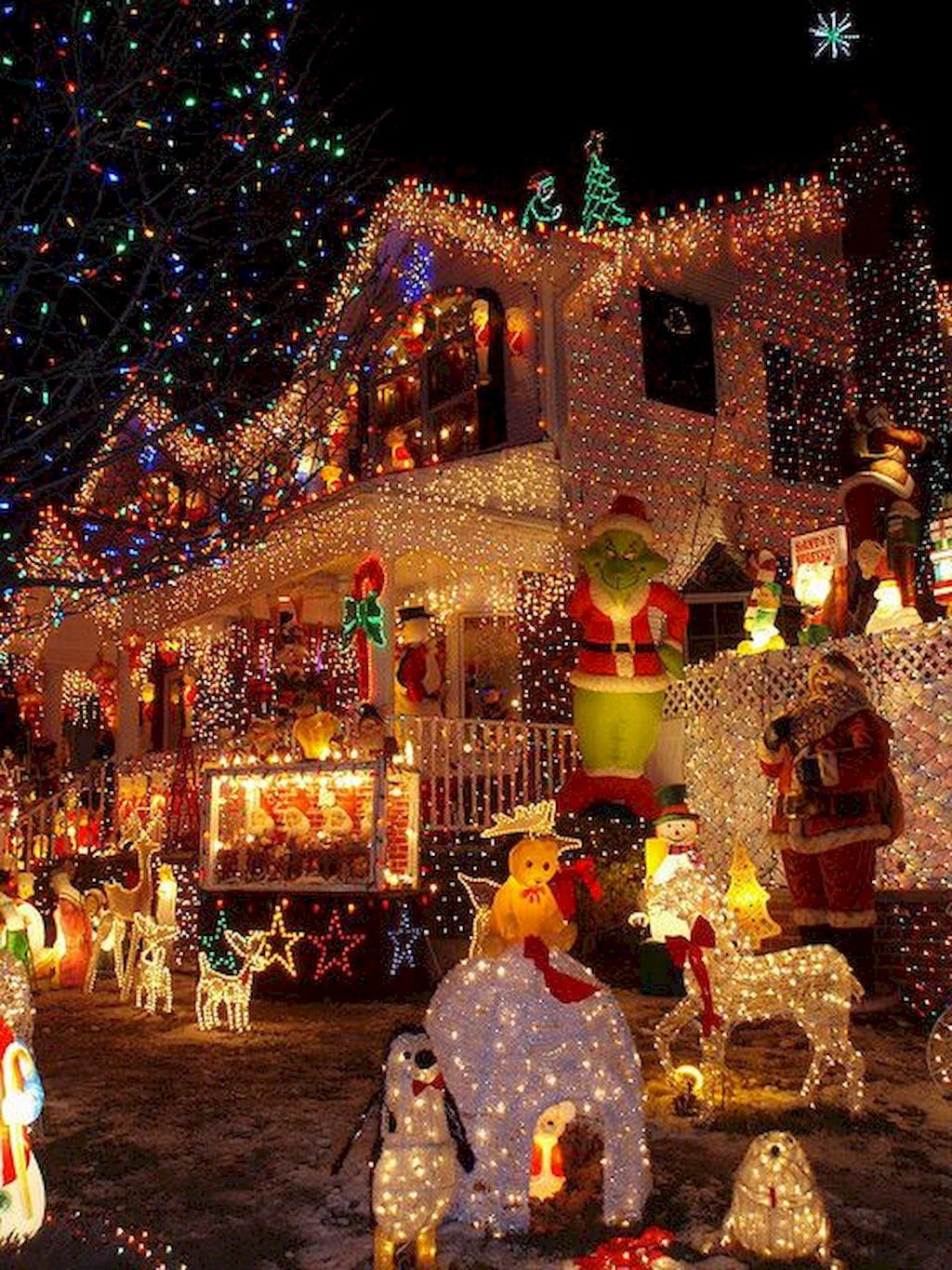 Attractive Outdoor Christmas Lights Decoration Ideas