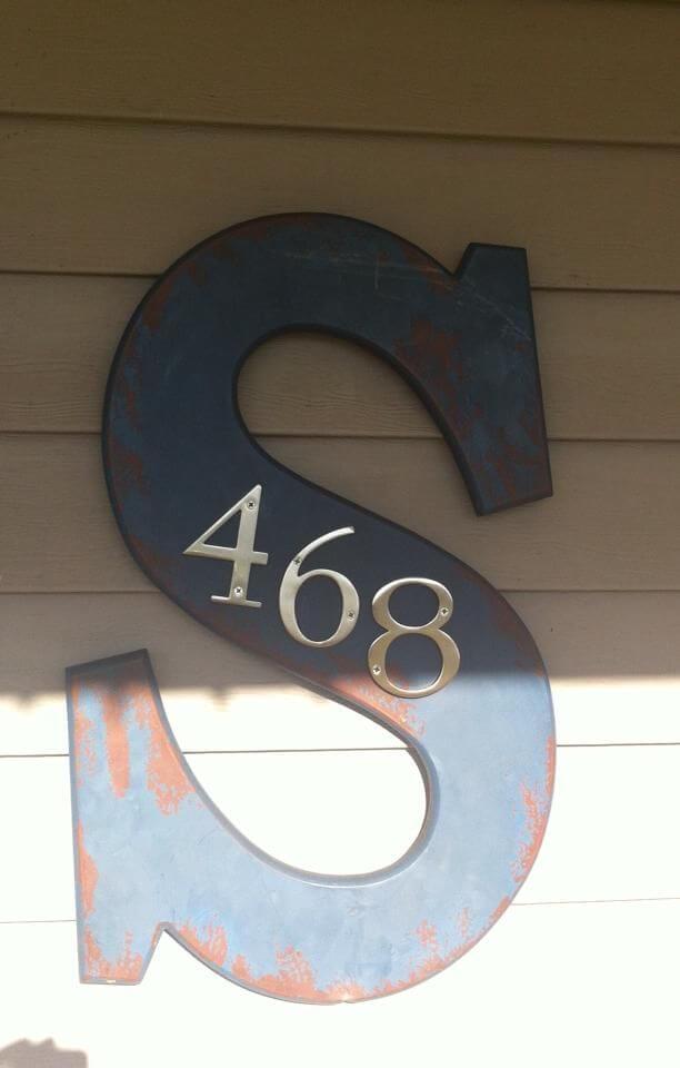 Farmhouse House Number Decor #farmhouse #rustic #porch #decor #decorhomeideas