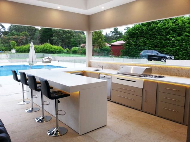 Modern Style Outdoor Kitchen 4
