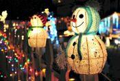 Surprising Outdoor Christmas Lights Decoration Ideas