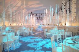 Wondrous Beautiful Winter Wedding Decoration Ideas