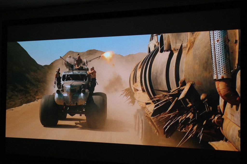sony_es40_projector_image_example_bright_movie