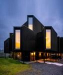 Bay Window House by Atelier Oslo