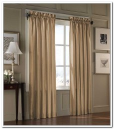 hanging-curtain-rods-on-window-frame