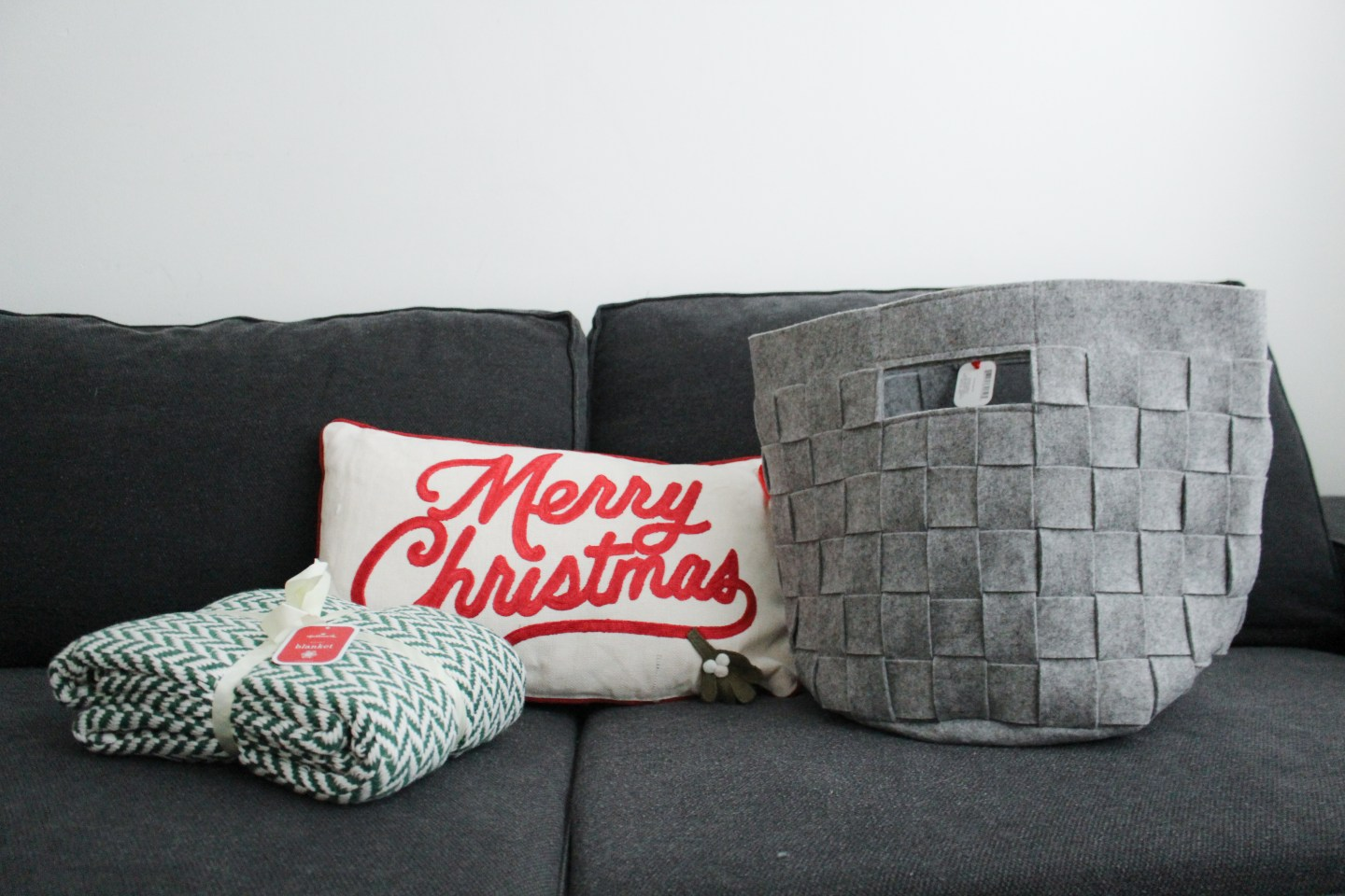 Hallmark Canada Holiday 2018 Collection + Blanket Giveaway