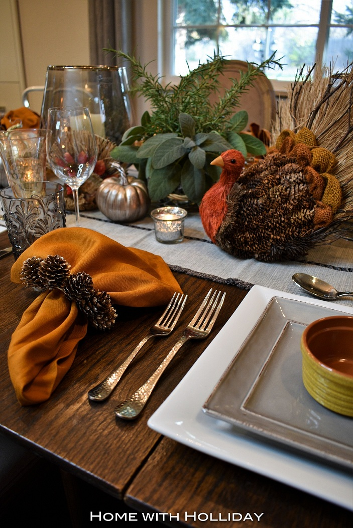Pine Cone Centerpiece Table
