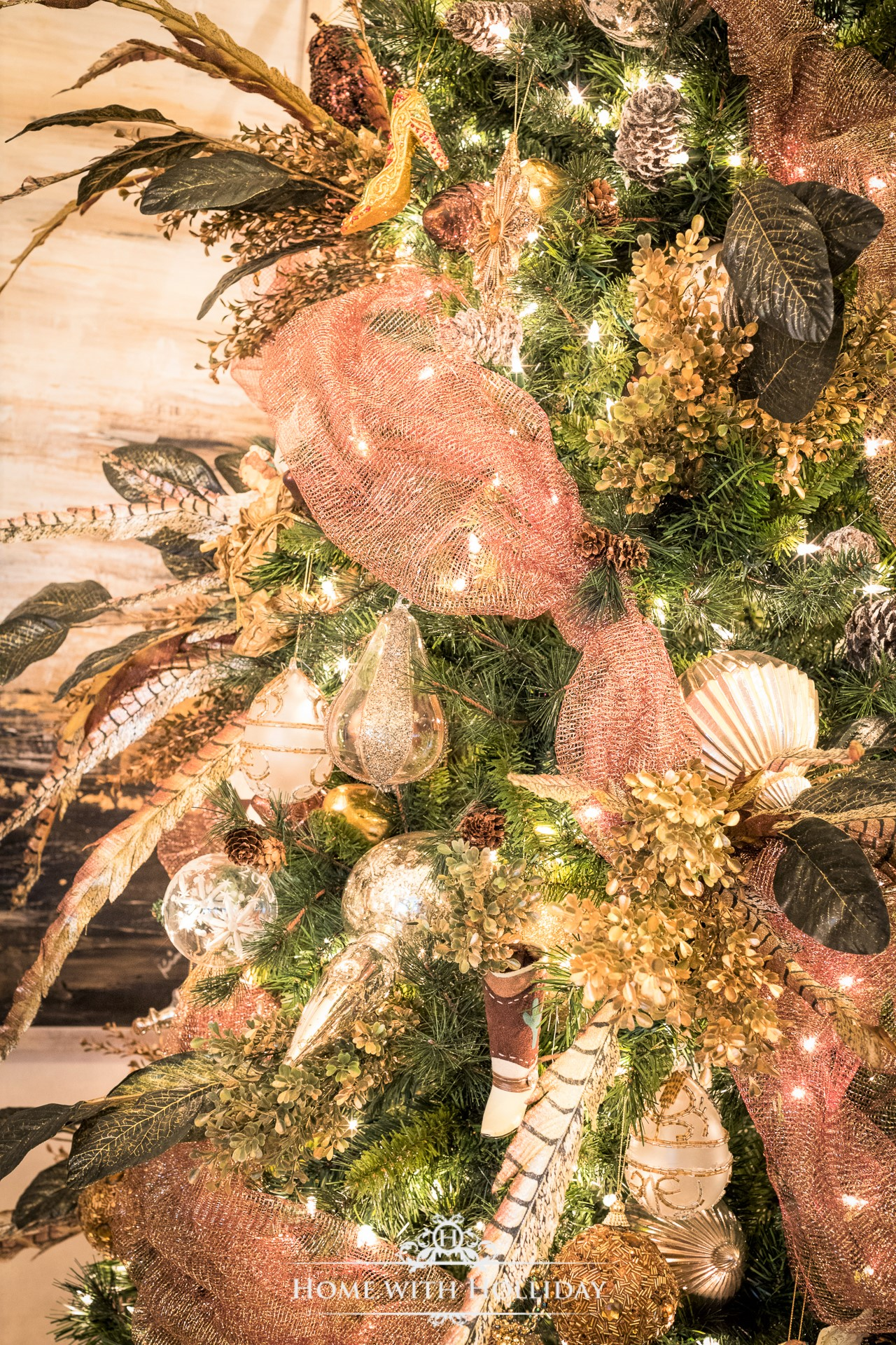 Christmas Decorating Ideas - Mix Metallics in your Trees