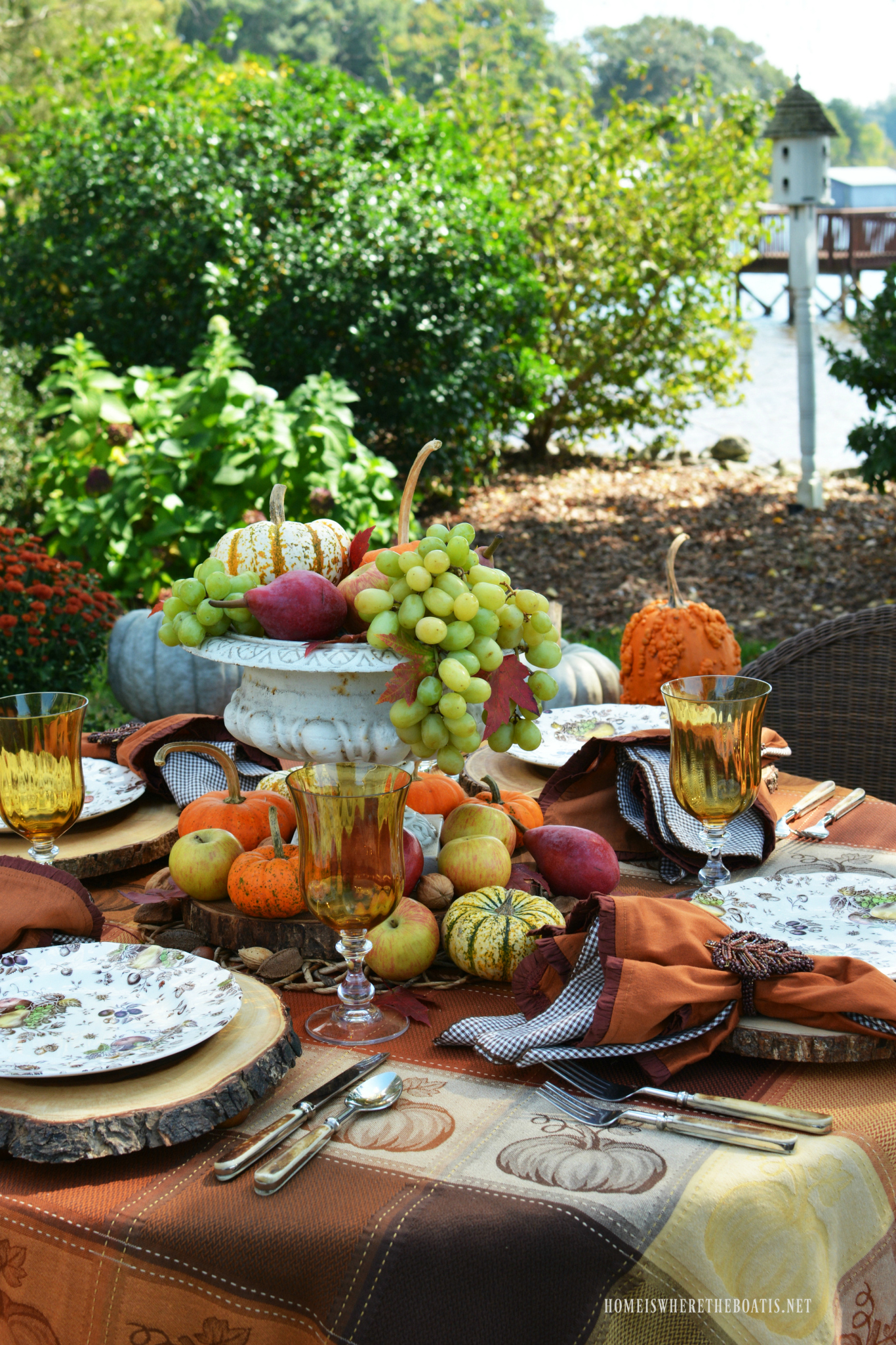 Creative Ideas for Fall or Thanksgiving Table Settings and Home Decor 8