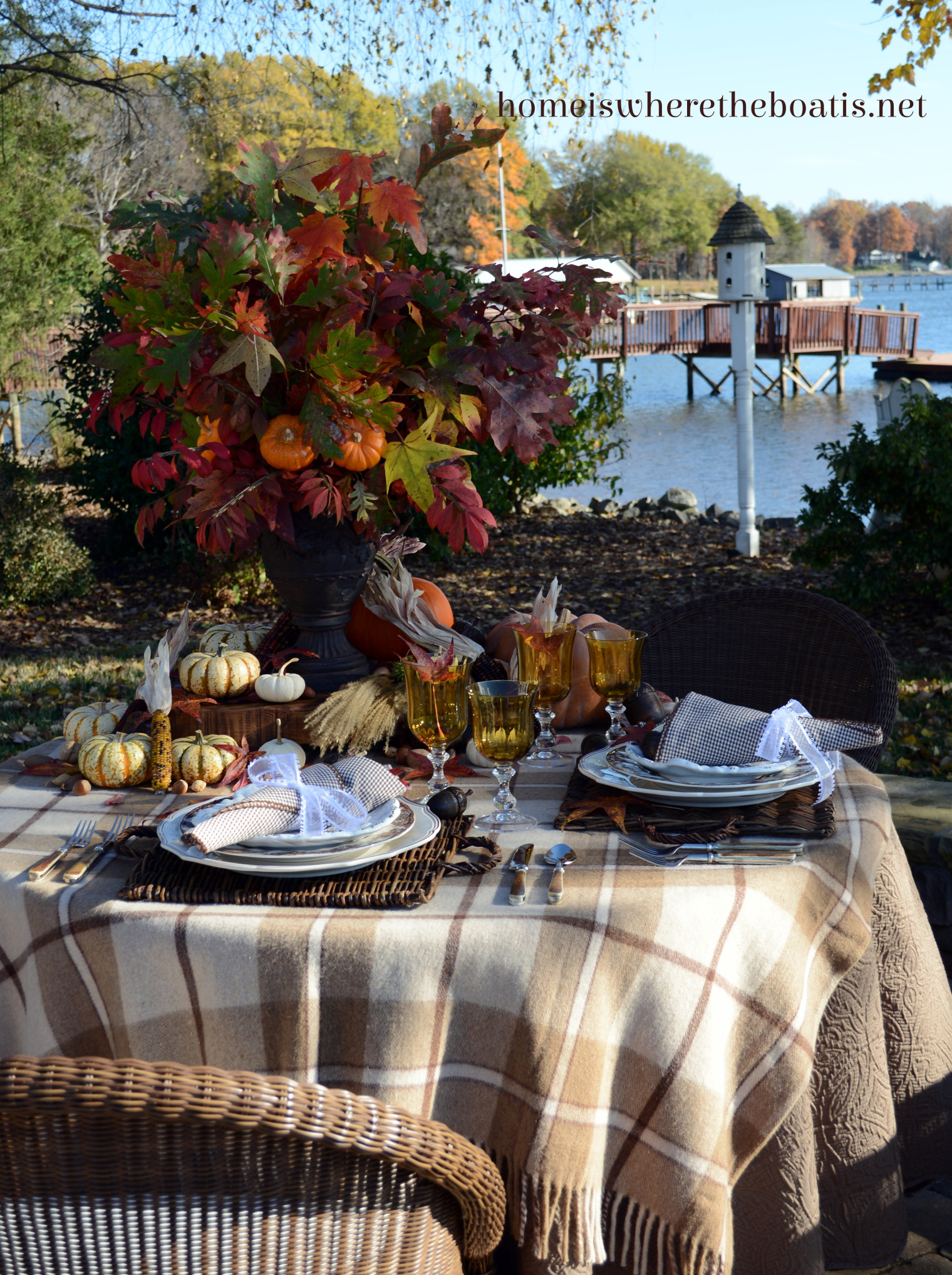 Creative Ideas for Fall or Thanksgiving Table Settings and Home Decor 26