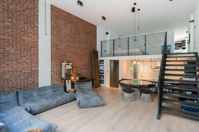 Loft Apartment With An Factory Feel Northbourne London 4