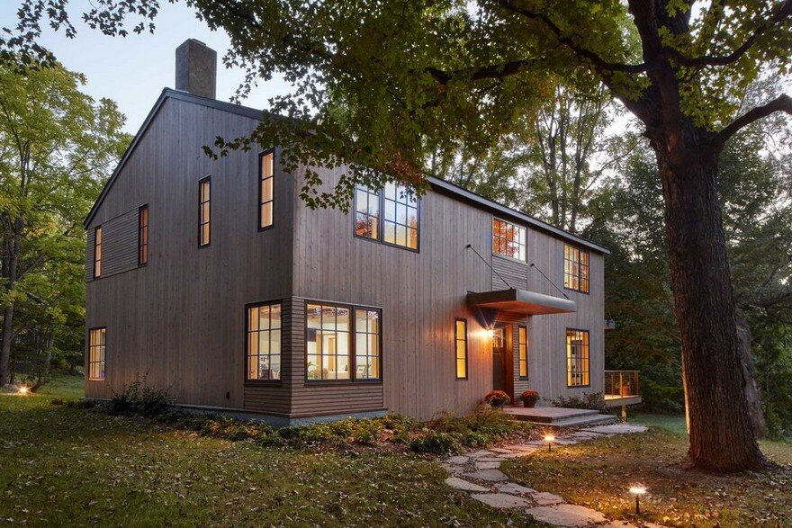 1830 Farmhouse Transformed Into A Rustic Modern Retreat In Hyde Park New York