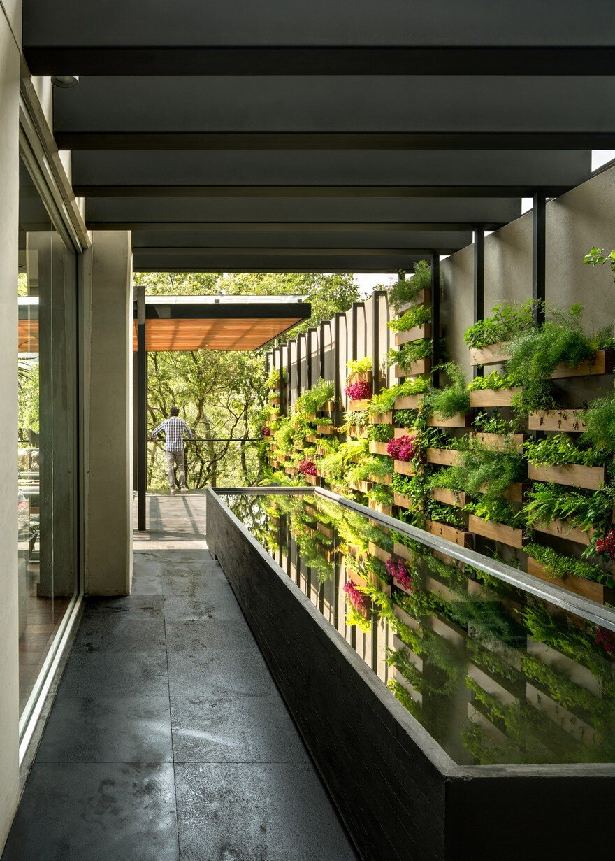 Jardin Apartment Provides A Close Connection Of Living