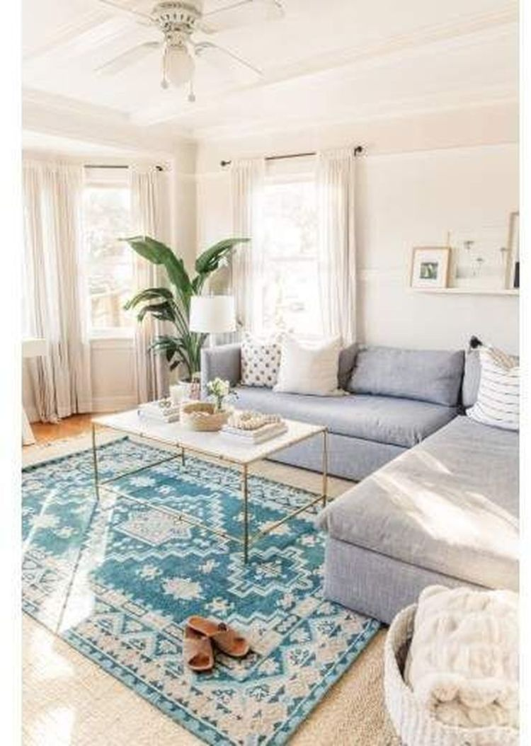 Cozy living room with rugs and low seating style 10 (source pinterest.com)