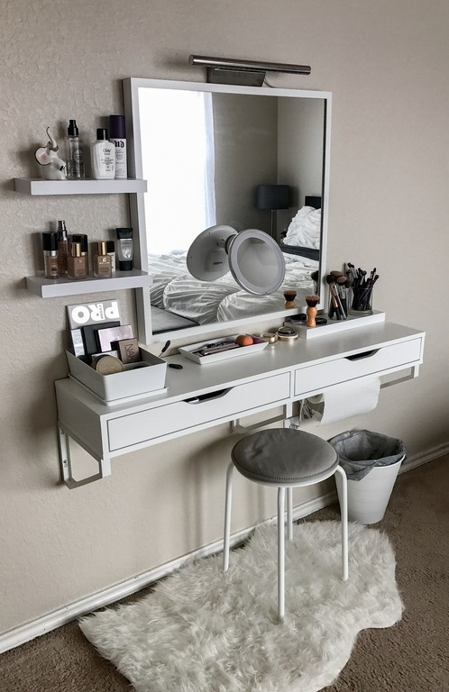 40 Awesome Makeup Storage Designs and DIY Ideas For Girls 2018 on Make Up Room Design  id=88315