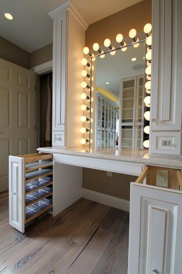 25 Gorgeous Makeup Vanity Ideas 2018 on Makeup Room Design  id=50775