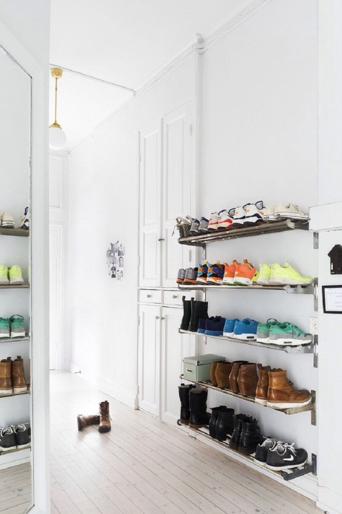https://azelitehomes.com/wp-content/uploads/2016/06/how-to-organize-shoes-at-front-door-with-DIY-wall-mounted-floating-shoe-rack-storage-organizer.jpg
