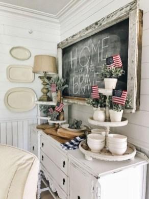 Afordable Livingroom Summer Decoration 17