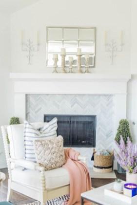 Afordable Livingroom Summer Decoration 34