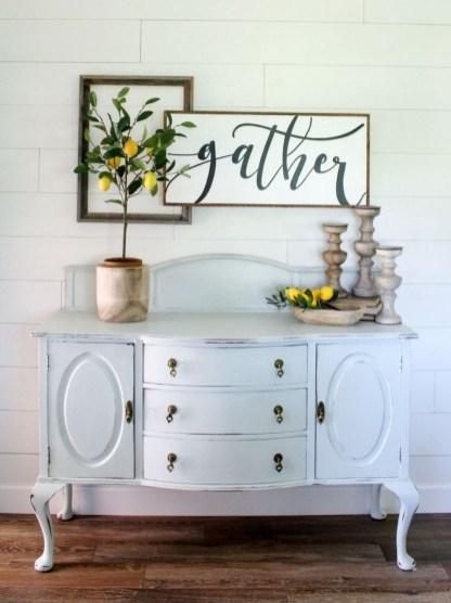 Afordable Livingroom Summer Decoration 40
