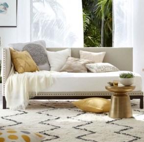 Afordable Livingroom Summer Decoration 44