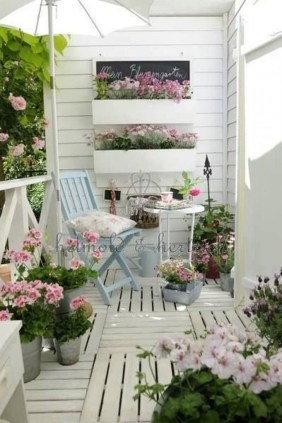 Afordable Summer Balcony Decoration 36