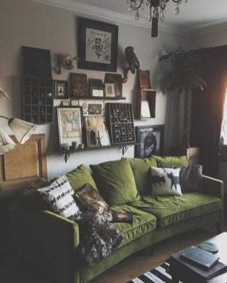 Cozy Green Livingroom Ideas 16