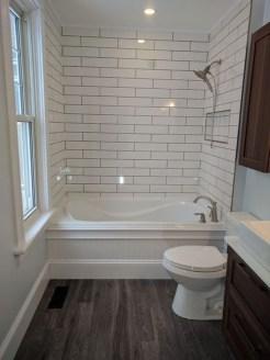 Amazing Modern Small Bathroom Design Ideas 21