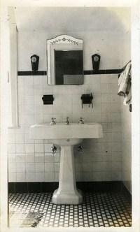 Awesome Country Mirror Bathroom Decor Ideas 37