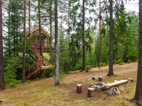 Awesome Treehouse Masters Design Ideas Will Make Dream 21