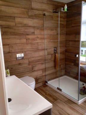 Cozy Wooden Bathroom Designs Ideas 33