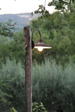 Fantastic Rustic Garden Light Landscaping Ideas 45