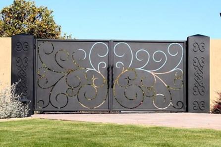 Inspiring Modern Home Gates Design Ideas 10