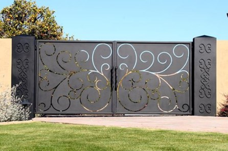 Inspiring Modern Home Gates Design Ideas 10