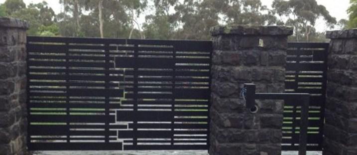 Inspiring Modern Home Gates Design Ideas 19
